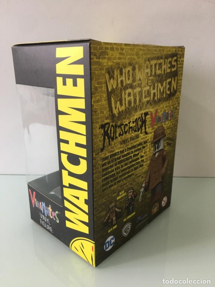Figuras y Muñecos DC: Figura de vinilo Rorschach Vinimates (12 cm) Watchmen - Foto 6 - 204841245