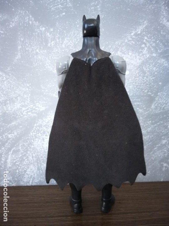Figuras y Muñecos DC: figura de accion batman 30 cm negro gris capa de tela dc comics - Foto 4 - 213253077