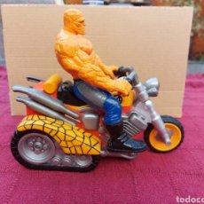 Figuras y Muñecos DC: FIGURA DE ACCIÓN LA COSA DE LOS 4 FANTASTICOS CON MOTO/SUPER HEROE DC. Lote 218622902