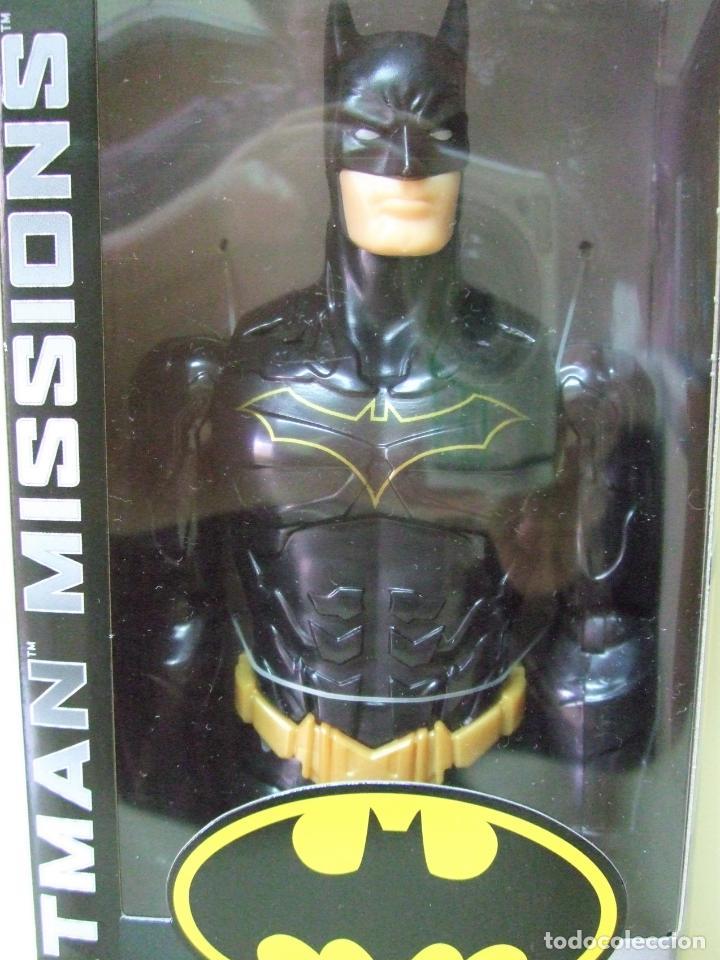 Figuras y Muñecos DC: FIGURA BATMAN STEALTH SUIT 30 CM 12 PULGADAS - BATMAN MISSIONS MATTEL DC COMICS NEGRO BLACK MUÑECO - Foto 2 - 218900507