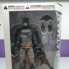 Figuras y Muñecos DC: FIGURA BATMAN LEE BERMEJO DC DESIGNER SERIES. Lote 221753850