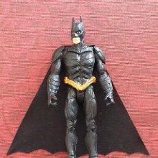 Figuras y Muñecos DC: BATMAN. FIGURA CON CAPA DE TELA. 10 CM. EXCELENTE ESTADO!. Lote 222350318