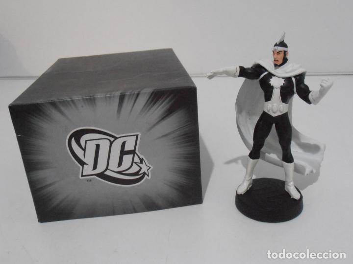 FIGURA DOCTOR LIGHT, PLOMO PINTADO, DC COMICS, SUPERHEROES FIGURAS DE COLECCION, ALTAYA (Juguetes - Figuras de Acción - DC)