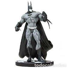 Figuras y Muñecos DC: FIGURA DE BATMAN BLACK AND WHITE DE SIMON BISLEY. Lote 228387025