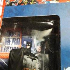 Figuras y Muñecos DC: MINIATURA EAGLEMOSS BATMAN SUPER HERO COLLECTION ESCALA 1:21 CAJA CON REVISTA. Lote 231575320
