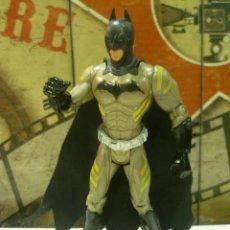 Figuras y Muñecos DC: FIGURA ARTICULADA DE BATMAN-RARA. Lote 235326835