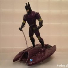 Figuras y Muñecos DC: FIGURA DC BATMAN KENNER 1995 Y VEHICULO KENNER 1994. Lote 237813205