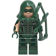 Figuras y Muñecos DC: PRECINTADO. FIGURA GREEN ARROW (FLECHA VERDE) DE DC SÍMIL LEGO. Lote 241102110
