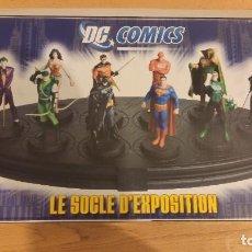 Figuras y Muñecos DC: PEANA EXPOSITOR DC FIGURAS DE PLOMO ALTAYA - EAGLEMOSS. Lote 242992910