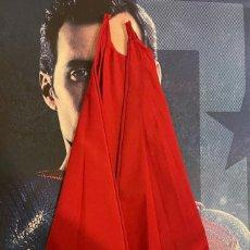 Figuras y Muñecos DC: HOT TOYS-SUPERMAN- LIGA DE LA JUSTICIA-HENRY CAVILL-CAPA. Lote 246055340