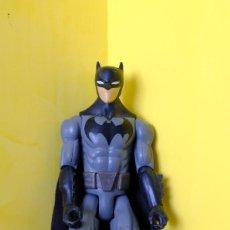 Figuras y Muñecos DC: FIGURA DE BATMAN 30 CM. MATTEL 2018 DC COMIC ARTICULADO. Lote 262771100