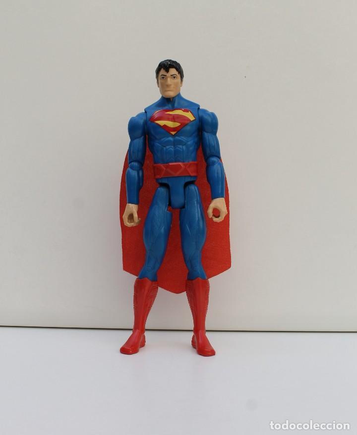 FIGURA SUPERMAN - DC COMICS - MATTEL - DE 29CM DE ALTO (Juguetes - Figuras de Acción - DC)