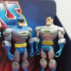 Figuras y Muñecos DC: LOTE 2 FIGURAS DE ACCION DC COMICS BATMAN INTREPIDO BATMAN BRUEC WAYNE. Lote 295419183