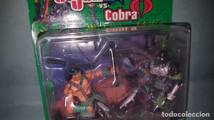 Figuras y Muñecos Gi Joe: Gijoe cobra Nunchuk VS Firefly Hasbro - Foto 2 - 196794206