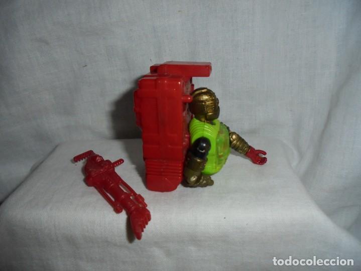 Figuras y Muñecos Gi Joe: GIJOE OVERKILL LE FALTA EL CUERPO DE CINTURA PARA ABAJO HASBRO 1992 PEANA NO INCLUIDA - Foto 3 - 212938437