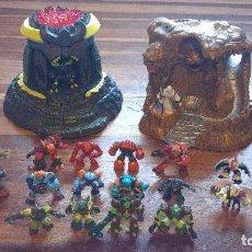 Figuras y Muñecos Gormiti: COLECCION DE 20 GORMITIS Y 2 CASAS TORRES. Lote 95474291