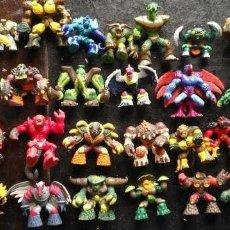 Figuras y Muñecos Gormiti: GRAN LOTE 36 FIGURAS GIOCHI PREZIOSI MARATHON MEDIA Y GORMITI MUÑECOS GOMA PVC. Lote 156704794