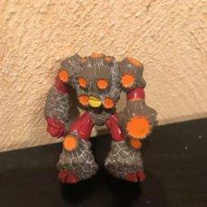Figuras y Muñecos Gormiti: GORMITI BOMBOS PUEBLO VOLCAN SERIE 2. Lote 245947045