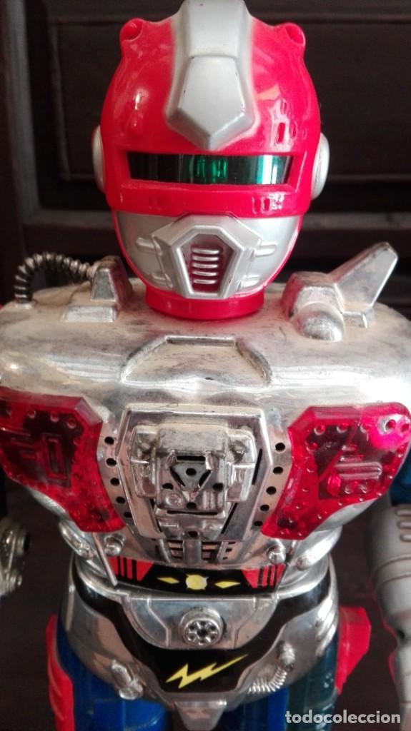 ROBOT MECÁNICO / ANDROIDE DE ATAQUE 40 CM DE ALTURA FUNCIONA (Juguetes - Figuras de Acción - Manga y Anime)