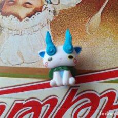 Figuras y Muñecos Manga: YOKAI WATCH FIGURITA JAPONESA KOMASAN. Lote 227053880