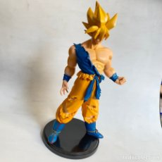 Figuras y Muñecos Manga: FIGURA SON GOKU SUPER SAIYAN DRAGON BALL BOLA DE DRAGON 24 CM APROX.. Lote 269207533