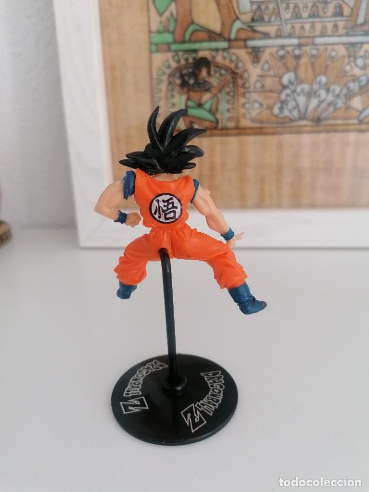 Figuras y Muñecos Manga: Dragon ball Z Bandai goku con su peana - Foto 2 - 277248763