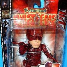 Figuras y Muñecos Marvel: FIGURA DAREDEVIL - MOTORIZED TWIST'EMS ACTION BEN AFFLECK. Lote 29726685