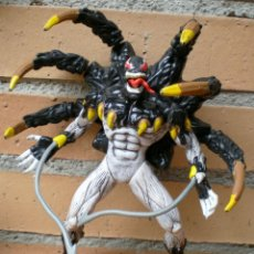 Figuras y Muñecos Marvel: FIGURA ARTICULADA VENOM SPIDERMAN TOY BIZ 1996 MARVEL. Lote 44121429