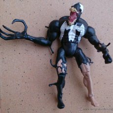 Figuras y Muñecos Marvel: FIGURA ARTICULADA SPIDERMAN VENOM 2001 MARVEL. Lote 44747422