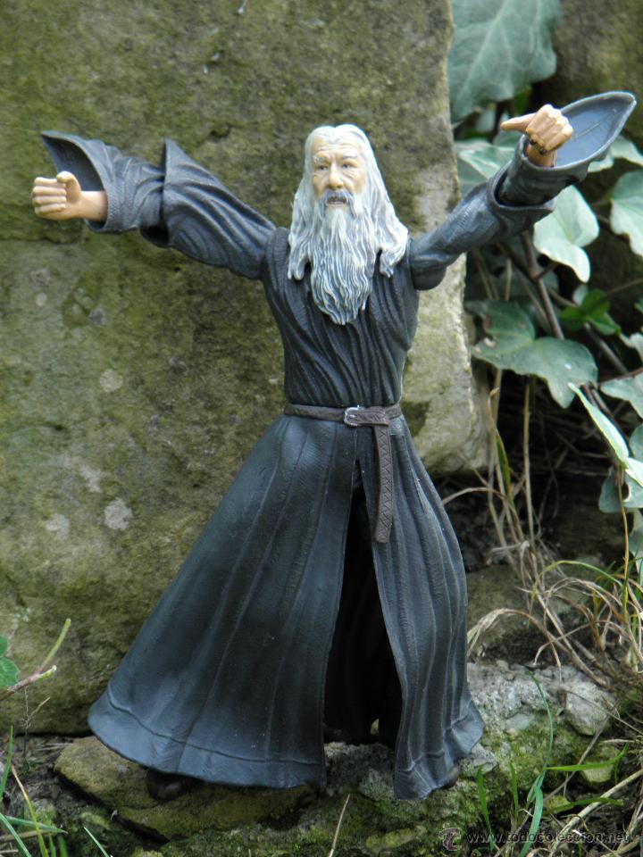 Figuras y Muñecos Marvel: Figura de acción Mago Gandalf del Señor de Los Anillos, de Marvel de 16 cm - Foto 2 - 44819129