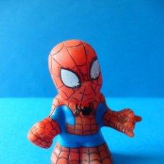 Figuras y Muñecos Marvel: FIGURITA DE SPIDERMAN - 2005 MARVEL - ENT - TOYBIZ - FIGURA DE GOMA. Lote 47437530