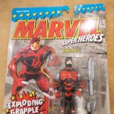 Figuras y Muñecos Marvel: DAREDEVIL-MARVEL SUPERHEROES-1994-TOY BIZ-NUEVO-SIN ABRIR. Lote 48021921