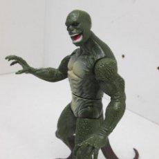 Figuras y Muñecos Marvel: LIZARD LAGARTO VILLANO SPIDERMAN FIGURA ARTICULADA 16 CMTS. MARVEL 2012 HASBRO. Lote 50658340