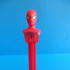 Figuras y Muñecos Marvel: DISPENSADOR DE CARAMELOS PEZ - SPIDERMAN TM & MARVEL 2012. Lote 56302363