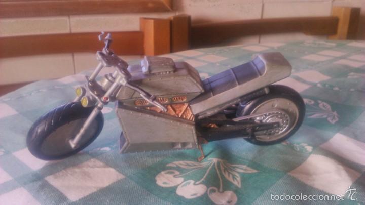 MOTO DE BLADE,FIEL A LA PELÍCULA. MARVEL TOY BIZ - 2004 (Juguetes - Figuras de Acción - Marvel)