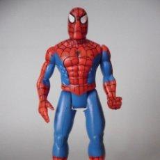 Figuras y Muñecos Marvel: SPIDERMAN HEAVY HITTERS SPIDERMAN FIGURA ARTICULADA DE 13 CM TOY BIZ 1996. Lote 61090647