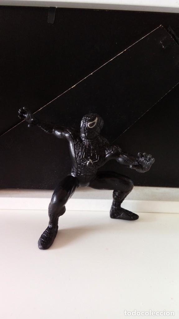 ANTIGUA FIGURA PVC DE SPIDERMAN NEGRO. MARVEL YOLANDA. (Juguetes - Figuras de Acción - Marvel)