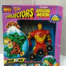 Figuras y Muñecos Marvel: IRON MAN. PROJECTORS. FIGURA EN CAJA. NUEVO. MUÑECO MARVEL. RAREZA. 3 DISCOS CON AVENTURAS. ÚNICO. Lote 75002131
