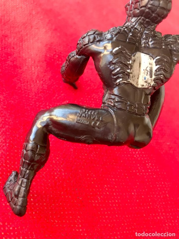 Figuras y Muñecos Marvel: Spiderman negro 1986 marvel black Spiderman 11cm - Foto 5 - 100196567