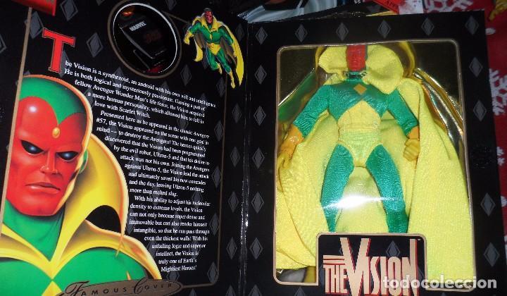 Figuras y Muñecos Marvel: Famous Cover - Vision - Toy Biz - Figura articulada - Foto 3 - 104309823