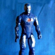 Figuras y Muñecos Marvel: IRON MAN, MÁQUINA DE GUERRA. FIGURA GRANDE. ARTICULADA, EN PVC DE 28,5 CM. MARVEL. Lote 112827391