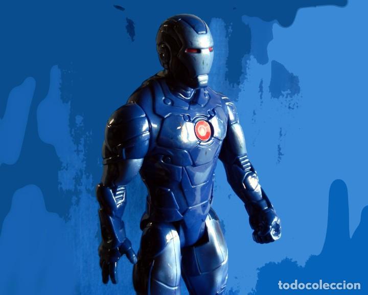 Figuras y Muñecos Marvel: IRON MAN, MÁQUINA DE GUERRA. FIGURA GRANDE. ARTICULADA, EN PVC DE 28,5 CM. MARVEL - Foto 3 - 112827391