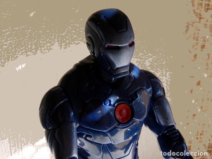 Figuras y Muñecos Marvel: IRON MAN, MÁQUINA DE GUERRA. FIGURA GRANDE. ARTICULADA, EN PVC DE 28,5 CM. MARVEL - Foto 4 - 112827391