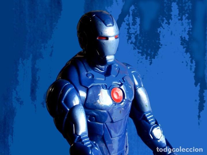 Figuras y Muñecos Marvel: IRON MAN, MÁQUINA DE GUERRA. FIGURA GRANDE. ARTICULADA, EN PVC DE 28,5 CM. MARVEL - Foto 7 - 112827391