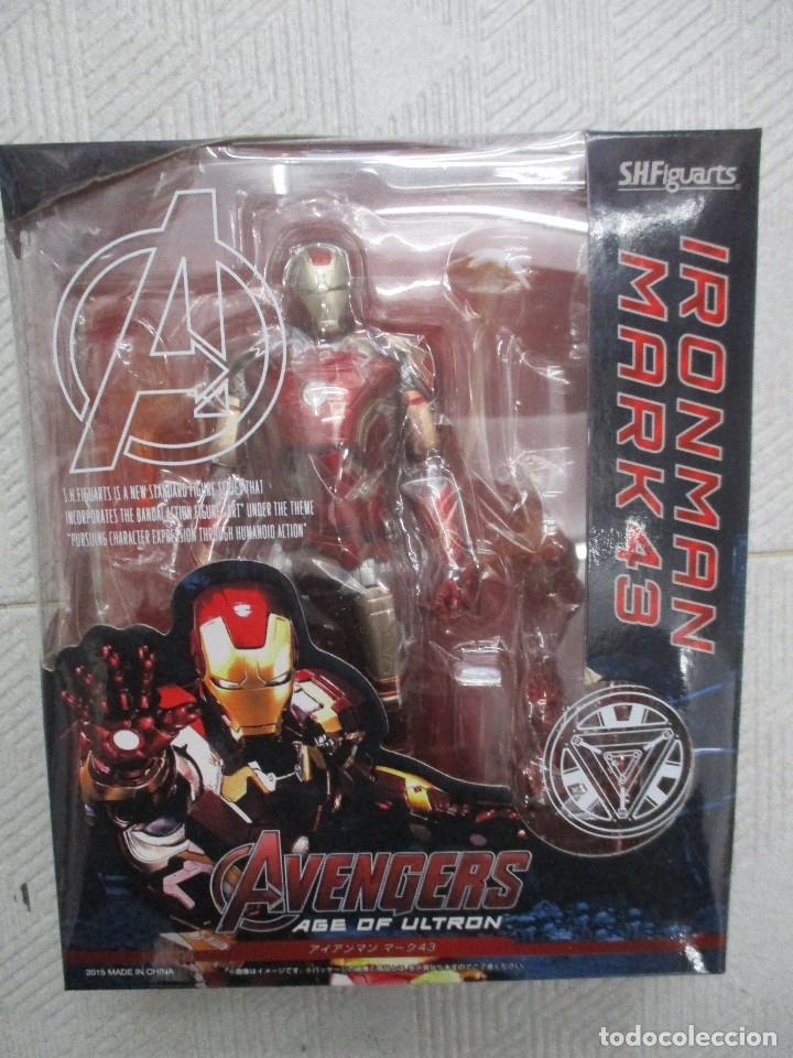 Figuras y Muñecos Marvel: IRON MAN MARK 43 - AGE OF ULTRON + TONY SOFA - SHFIGUARTS - NUEVOS - Foto 4 - 120444915
