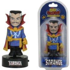 Figuras y Muñecos Marvel - Figura Dr. Strange body Knockers Neca nueva - 121267372