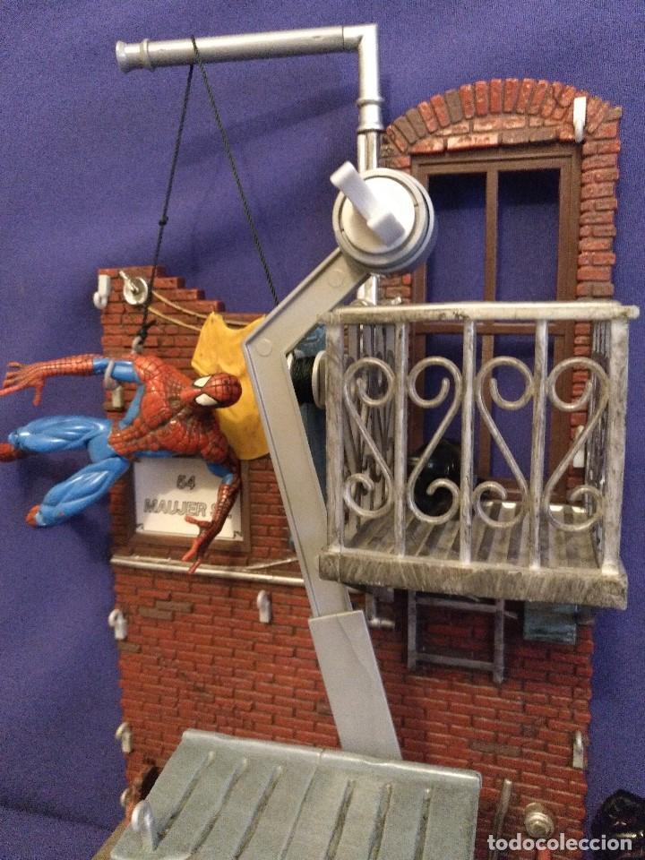 Figuras y Muñecos Marvel: Diarama de SPIDERMAN de Marvel,con moto de REGALO - Foto 3 - 125206123