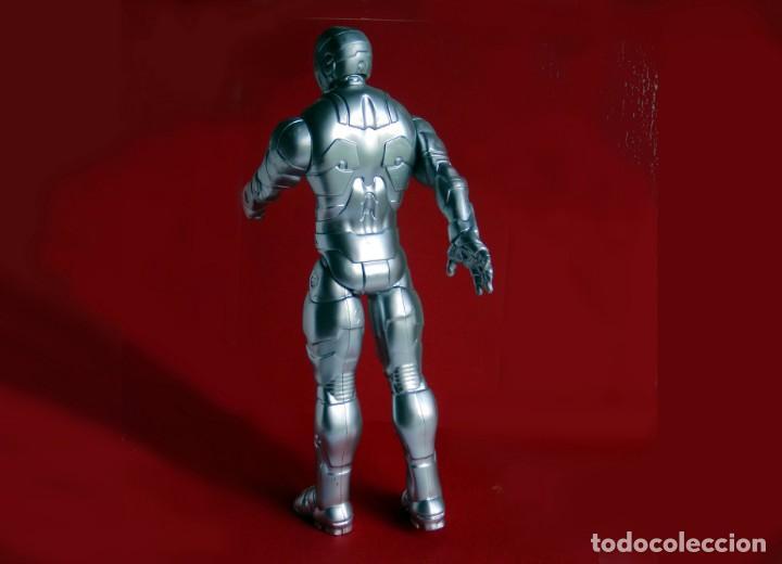 Figuras y Muñecos Marvel: IRON MAN, STELL - MARK II - FIGURA GRANDE, ARTICULADA , EN PVC DE 28,5 cm. 2013 MARVEL ORIGINAL - Foto 6 - 132804170