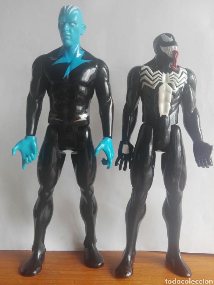 LOTE 2 VILLANOS TITAN HEROES MARVEL HASBRO 2014 ELECTRO Y VENOM 29 CENTIMETROS (Juguetes - Figuras de Acción - Marvel)