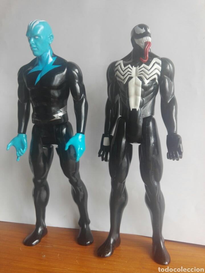 Figuras y Muñecos Marvel: LOTE 2 VILLANOS TITAN HEROES MARVEL HASBRO 2014 ELECTRO Y VENOM 29 CENTIMETROS - Foto 2 - 136812385